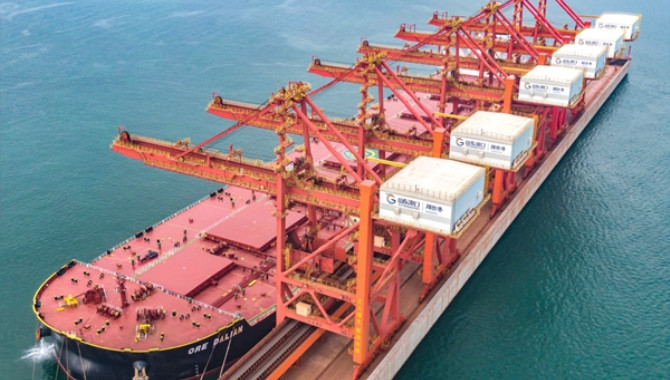 Yantai Port sets world record in iron ore unloading